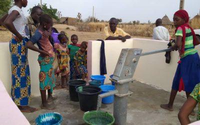 De l'eau pour la communauté de Hawa-Dembaya